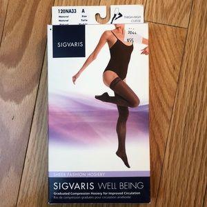 SIGVARIS NWT Thigh High compression hosiery nude A